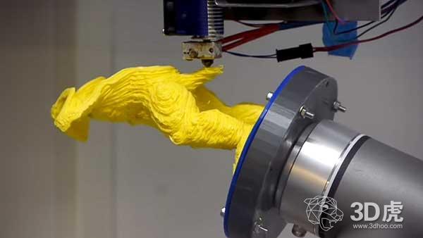 研究员开发出无需使用支撑结构的多轴机器人3D打印系统