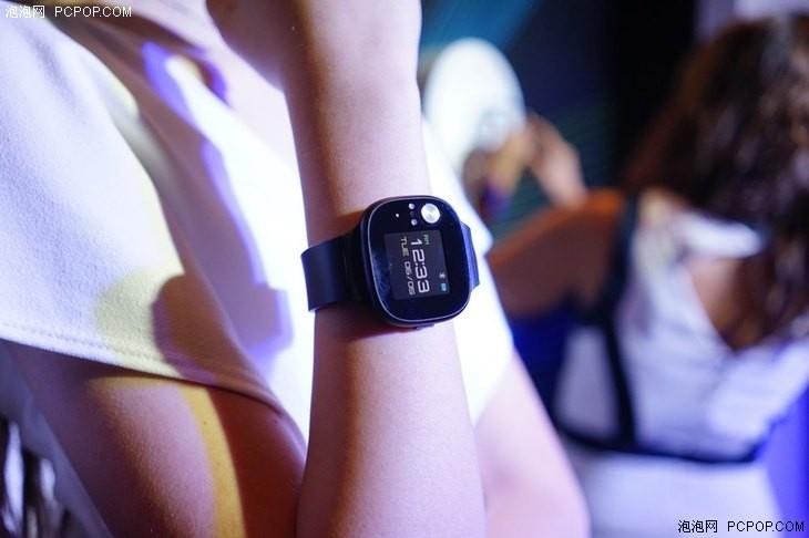 华硕发布首款智能手环:支持血压监测 28天超长续航