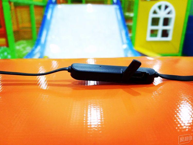跨界出奇迹:泰捷 Jeet w1 运动防水蓝牙耳机