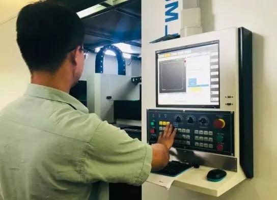 格力首台光纤激光切割机交付用户 系自主研发