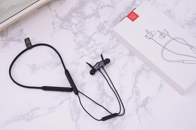 耳机也有Dash闪充是何体验?一加云耳图赏