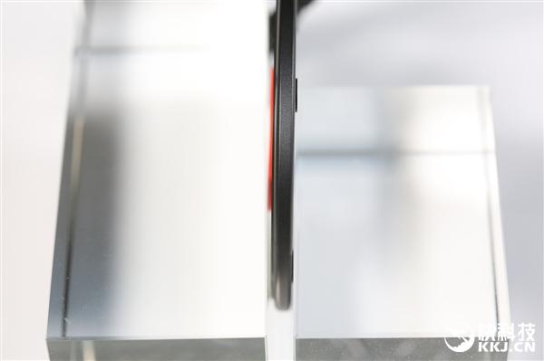 南孚黑胶唱片无线充开箱图赏:充电器也能如此文艺?
