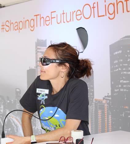 转向创新领域 欧司朗展出LED眼部穿戴装置