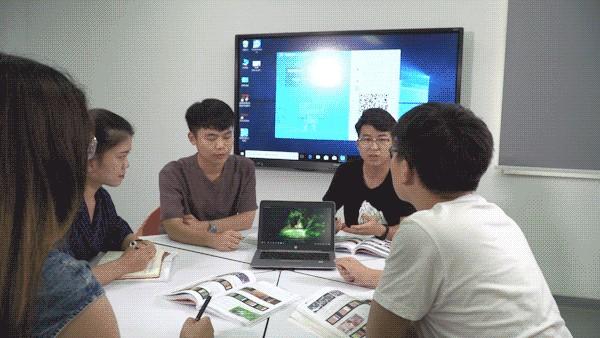 告别黑板和粉笔,智慧教室助力黄淮学院信息化教学