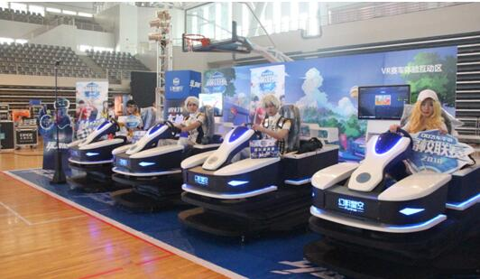又一款人气产品:VR设备乐享卡丁车