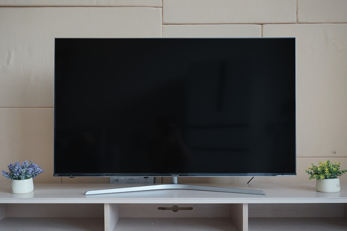 ULED画质再现世界杯赛场,海信E9电视评测