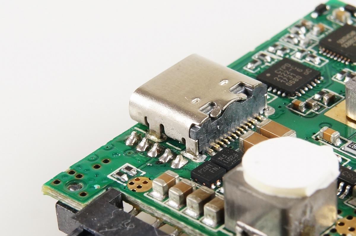 Zikko(即刻)PowerBag Pro能量手袋移动电源拆解评测