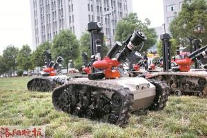 """帅气!一批""""铁甲威龙""""消防机器人在洛上岗"""