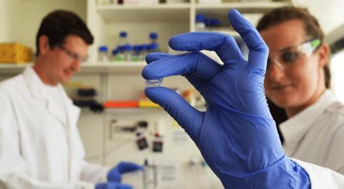 合成生物技术提升纳米管生物传感器对复杂流体的感知能力