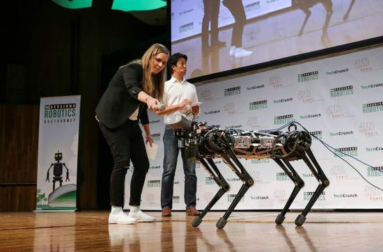 MIT研制猎豹3号机器狗,可以轻松爬楼梯