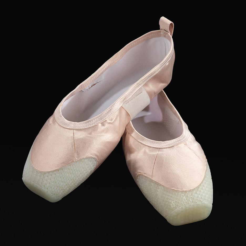 3D印花芭蕾舞鞋为舞者科学地保护双脚