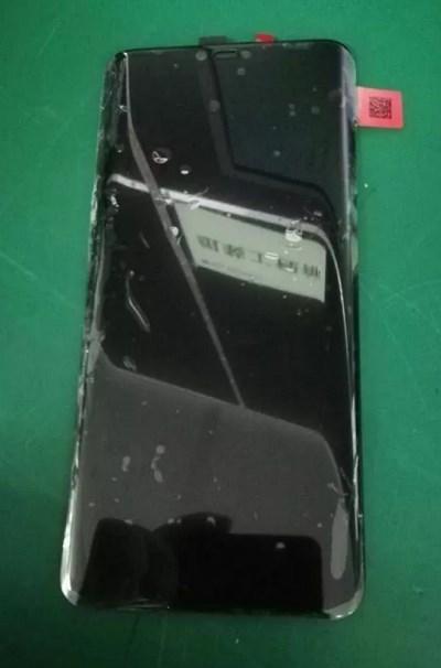 疑似华为Mate 20 Pro前面板现身:配备曲面刘海屏