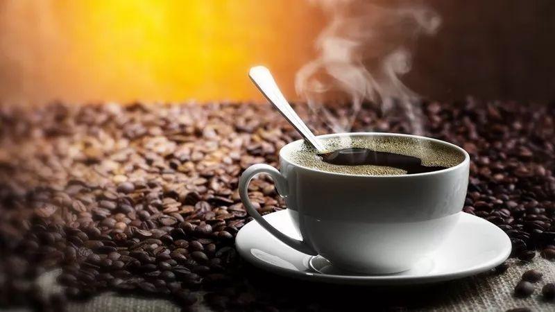 瑞幸咖啡VS星巴克:一个传统行业正在发生的变化