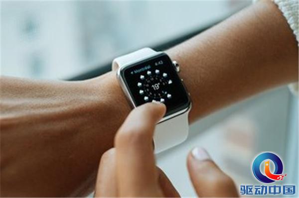 苹果官网14款表带下架!这会是新款Apple  Watch到来的前奏吗?
