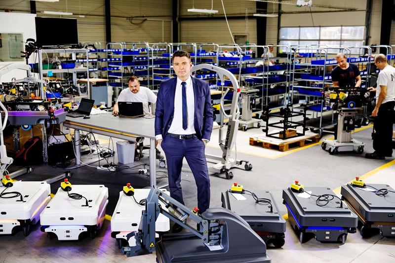 Mobile Industrial Robots产量激增 移动机器人销量增长130%