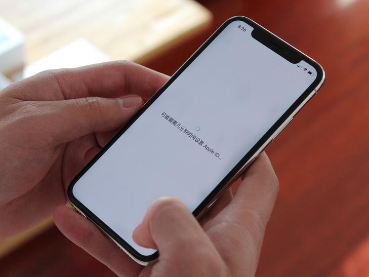 全面屏成为手机发展主旋律 手机厂商们都是如何做全面屏的?