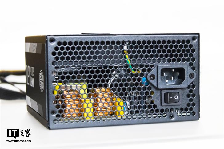 安静又省电:酷冷至尊MWE GOLD 550电源体验