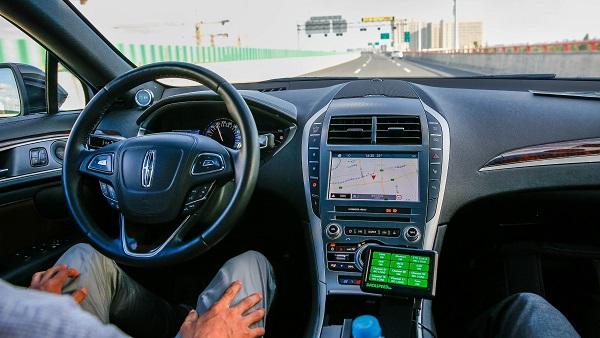 """自动驾驶成新""""蓝海"""" 商业化落地还差哪几步?"""