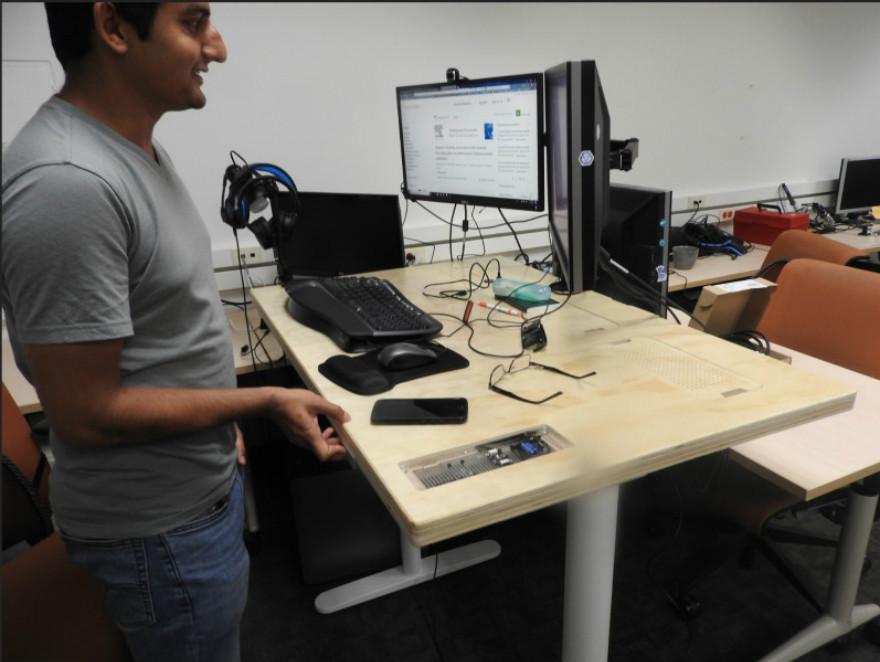 研究员悄悄揭秘:未来的智能办公桌长啥样?