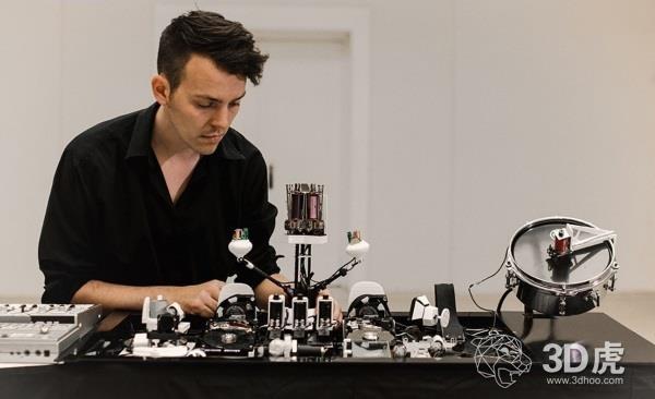 Geist 3D打印声波机器人,播放激动人心的机器人电子音乐
