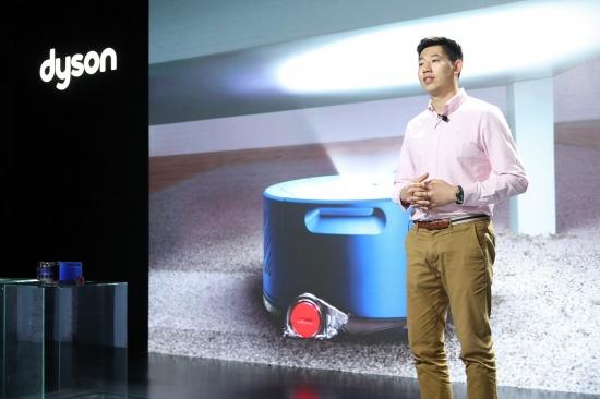 台灯风扇与吸尘机器人 戴森推出智能家居新品