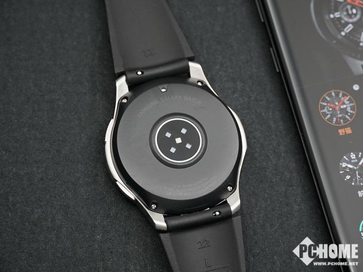 三星Galaxy Watch体验:神似机械表 续航有惊喜