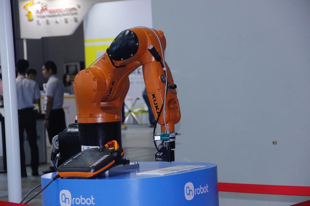 人机协作时代来临,OnRobot展示智能抓取技术