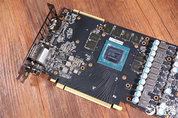 金属科幻风影驰RTX 2080 GAMER拆解图赏
