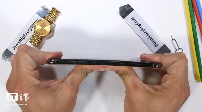 苹果iPhone XS Max屏幕坚固性测试表现如何