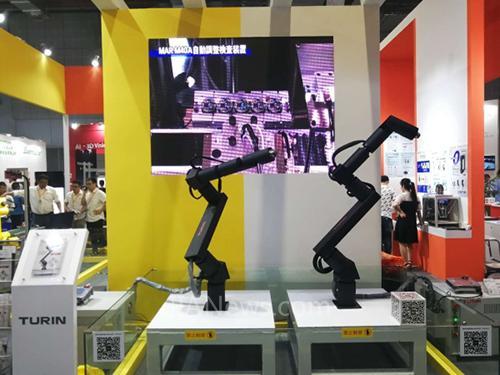 图灵机器人:工业机器人的智造者