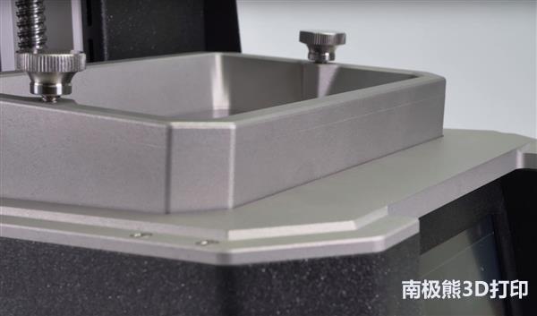 Prusa推出一种新的基于树脂的开源SLA 3D打印机Prusa SL1