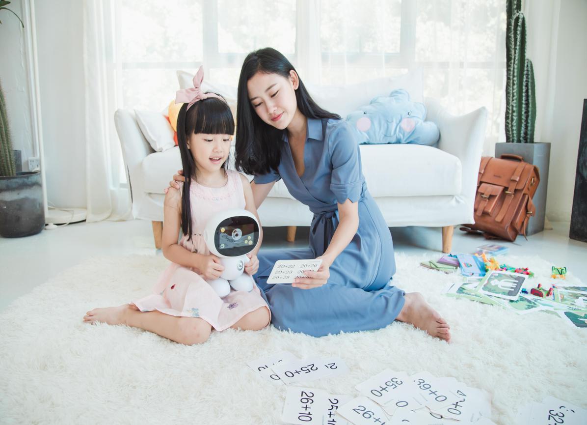 一体式儿童教育生态再升级 新一代小哈机器人将上市