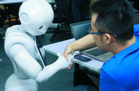 3天搞定机器人编程 软银Pepper探索科技无限新可能