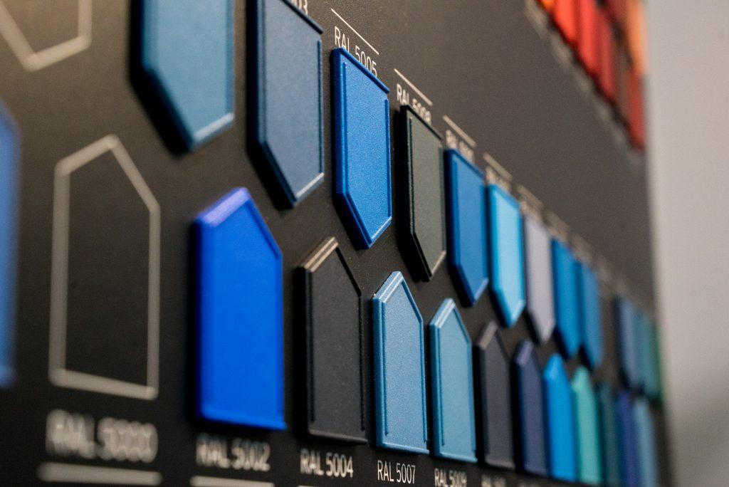 DyeMansion为SLS、MJF 3D打印部件提供RAL光谱着色处理