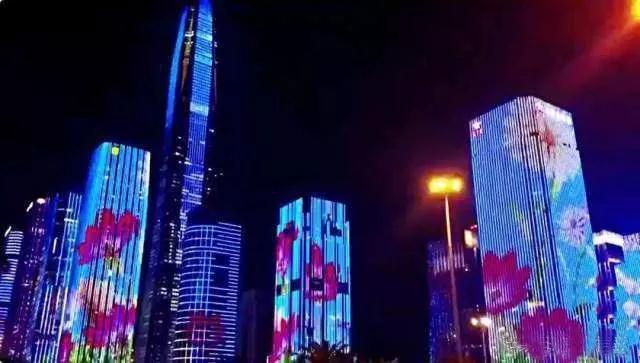 深圳灯光秀正式上演 150万盏灯、43栋楼宇点亮夜空