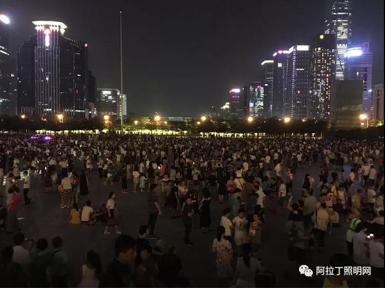 吴春海 :让市民中心留在市民的心中 把市民广场变成市民的广场