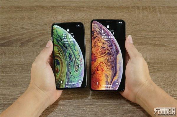 苹果iPhone XS Max到手了,该不该买USB PD快充套装?