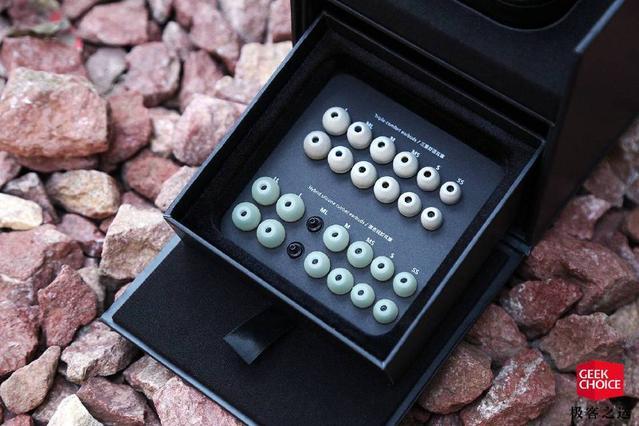 索尼IER-Z1R图赏:万元级的顶级「醇音」圈铁入耳式耳机