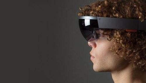 微软HoloLens2将于2019年中期发布,更大视野、续航更久