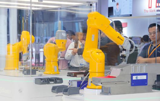 中美贸易战之下 全球工业机器人市场放缓