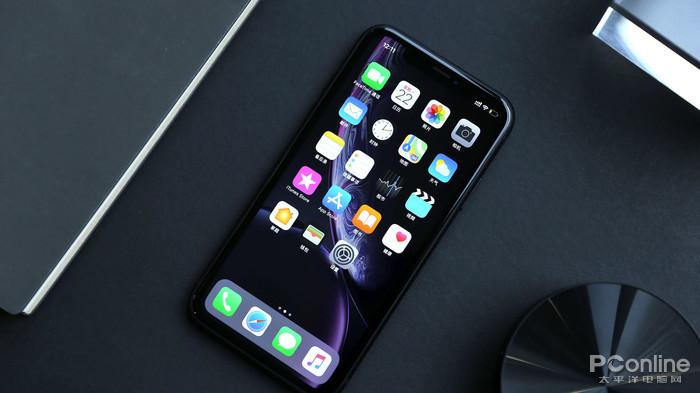 "iPhone XR深度评测:简配""降""价 不降的是高端定位"