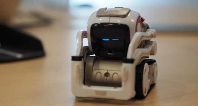 养猫养狗腻味了 可以养养这个机器人
