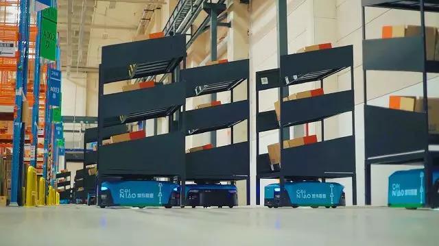 菜鸟未来园投700台AGV 建成最大机器人仓库