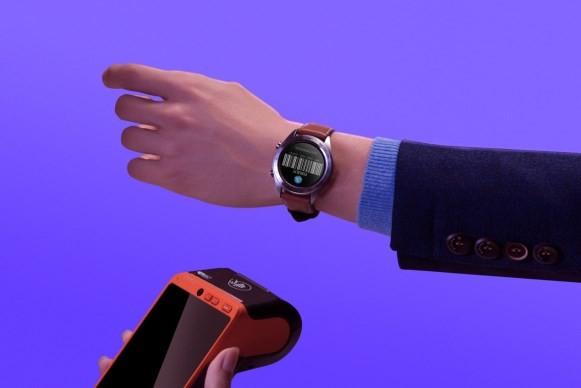 智能穿戴行业迎来革命风暴 荣耀手表入局 无拘界限