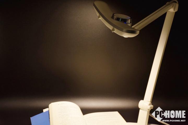明基MindDuo Plus儿童智能台灯体验:冷暖色温更护眼