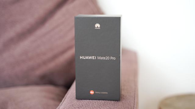 华为Mate 20 Pro评测-2018年最先进的智能手机?