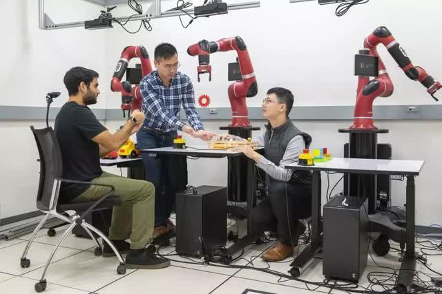 回斯坦福之后研究成果曝光 李飞飞团队用机器学习教机械臂做动作