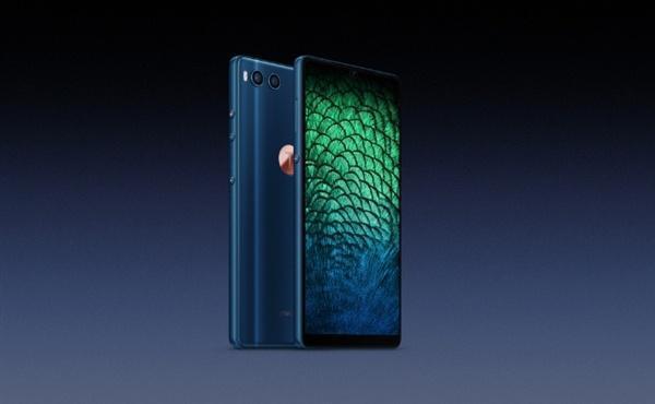 坚果R1孔雀蓝版将成绝版手机?罗永浩辟谣:假的