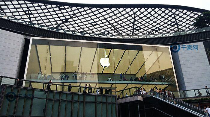 """""""小刘海""""或是昙花一现,智能手机迎来设计复兴"""