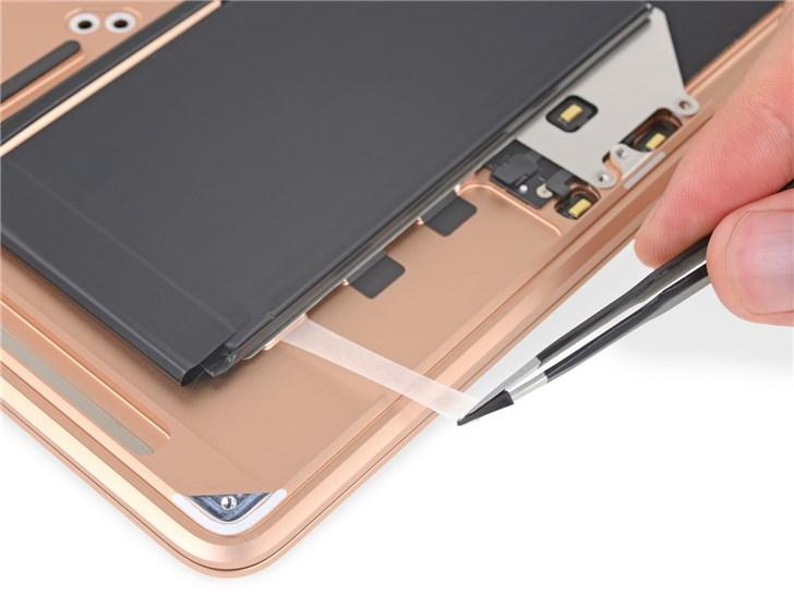 苹果新款MacBook Air拆解:维修仍然不易